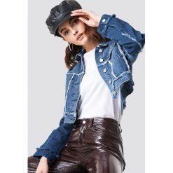 NA-KD Krótka kurtka jeansowa - Blue. Niebieskie kurtki damskie NA-KD, z jeansu. Za 242.95 zł.