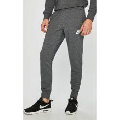 Nike Sportswear - Spodnie. Szare spodnie sportowe męskie Nike Sportswear. Za 229.90 zł.