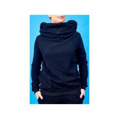 Bluza z kominem i kapturem. Czarne bluzy damskie Awu, z bawełny. Za 219.00 zł.