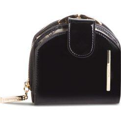 Mały Portfel Damski MONNARI - PUR0751-020 Black Lacquer. Czarne portfele damskie Monnari, z lakierowanej skóry. W wyprzedaży za 139.00 zł.