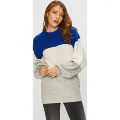 Trendyol - Sweter. Szare swetry damskie Trendyol, z dzianiny, z okrągłym kołnierzem. Za 79.90 zł.