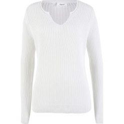 Sweter w prążek bonprix biel wełny. Swetry damskie marki bonprix. Za 37.99 zł.