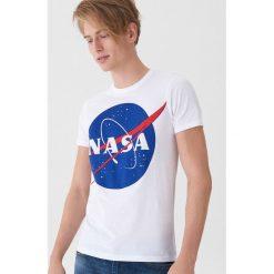 T-shirt NASA - Biały. Białe t-shirty męskie House. Za 49.99 zł.