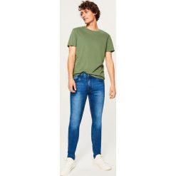 Jeansy skinny - Granatowy. Niebieskie jeansy męskie Reserved. W wyprzedaży za 69.99 zł.
