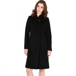 Płaszcz w kolorze czarnym. Czarne płaszcze damskie Ostatnie sztuki w niskich cenach, na zimę. W wyprzedaży za 629.95 zł.