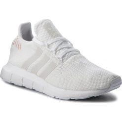 Buty adidas - Swift Run W B37719 Ftwwht/Crywht/Ftwwht. Białe obuwie sportowe damskie Adidas, z materiału. W wyprzedaży za 269.00 zł.