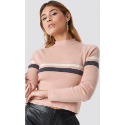 NA-KD Sweter w paski - Pink. Różowe swetry damskie NA-KD, prążkowane. Za 141.95 zł.