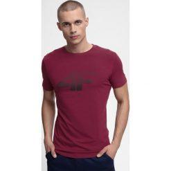 T-shirt męski TSM301 - burgund. T-shirty męskie marki Giacomo Conti. W wyprzedaży za 39.99 zł.