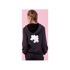 BOKSERSKA BLUZA ALEX - CIEMNOSZARA. Szare bluzy damskie Madnezz, z aplikacjami, z zamszu. Za 179.00 zł.