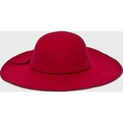 Answear - Kapelusz Falling In Autumn. Szare czapki i kapelusze damskie ANSWEAR, z materiału. W wyprzedaży za 39.90 zł.