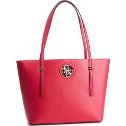 Torebka GUESS - HWVG71 86230 CNR. Czerwone torebki do ręki damskie Guess, z aplikacjami, ze skóry ekologicznej. Za 599.00 zł.