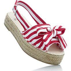 Sandały na koturnie bonprix czerwono-biały w paski. Sandały damskie marki bonprix. Za 37.99 zł.