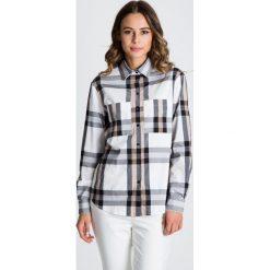 Luźna koszula w kratę z kołnierzykiem  BIALCON. Białe koszule damskie BIALCON, biznesowe, z wykładanym kołnierzem. W wyprzedaży za 146.00 zł.
