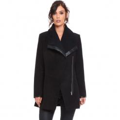 """Płaszcz """"Suzy"""" w kolorze czarnym. Czarne płaszcze damskie Cosy Winter, ze skóry. W wyprzedaży za 227.95 zł."""