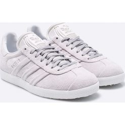 Adidas Originals - Buty Gazelle Stitch And Turn. Szare obuwie sportowe damskie adidas Originals, z gumy. W wyprzedaży za 319.90 zł.