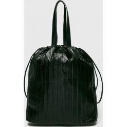 Pieces - Torebka Yasmin. Czarne torby na ramię damskie Pieces. W wyprzedaży za 129.90 zł.