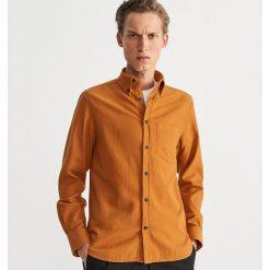 Koszula regular fit - Beżowy. Brązowe koszule męskie Reserved. Za 119.99 zł.