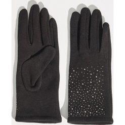 Rękawiczki z połyskującą aplikacją - Czarny. Czarne rękawiczki damskie Sinsay, z aplikacjami. Za 19.99 zł.