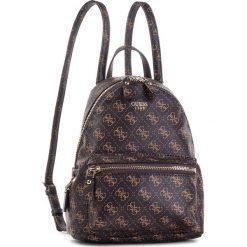 Plecak GUESS - HWQE45 57310 BRO. Brązowe plecaki damskie Guess, z aplikacjami, ze skóry ekologicznej. Za 559.00 zł.