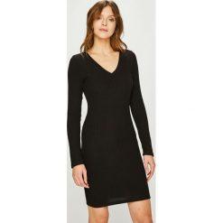 Answear - Sukienka. Czarne sukienki damskie ANSWEAR, z bawełny, casualowe. W wyprzedaży za 69.90 zł.