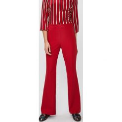 Answear - Spodnie FALLING IN AUTUMN. Czerwone spodnie materiałowe damskie ANSWEAR, z elastanu. W wyprzedaży za 89.90 zł.