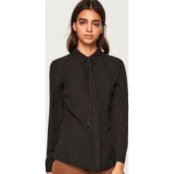 Koszula z wiązaniem przy kołnierzu - Czarny. Czarne koszule damskie Reserved. Za 79.99 zł.