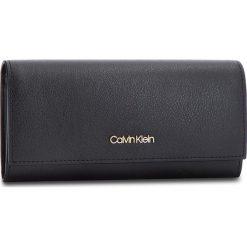 Duży Portfel Damski CALVIN KLEIN - Frame Large Trifold K60K604498 001. Czarne portfele damskie Calvin Klein, ze skóry ekologicznej. Za 299.00 zł.