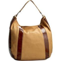 Torebka VERSO - 32369446DU Brązowy. Brązowe torebki do ręki damskie Verso, z lakierowanej skóry. W wyprzedaży za 219.00 zł.