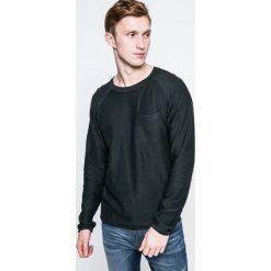 Jack & Jones Vintage - Sweter. Czarne swetry przez głowę męskie Jack & Jones Vintage, z bawełny, z okrągłym kołnierzem. W wyprzedaży za 49.90 zł.