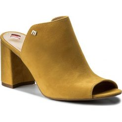 Klapki MACCIONI - 644.169.8955 Żółty. Żółte klapki damskie Maccioni, ze skóry. W wyprzedaży za 209.00 zł.