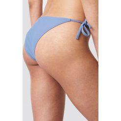 NA-KD Swimwear Dół bikini Triangle - Blue. Niebieskie bikini damskie NA-KD Swimwear, w paski. W wyprzedaży za 19.20 zł.
