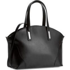 Torebka CREOLE - K10188 Czarny. Czarne torebki do ręki damskie Creole, ze skóry. W wyprzedaży za 259.00 zł.