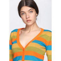 Pomarańczowy Sweter Miracles. Brązowe kardigany damskie Born2be, w kolorowe wzory. Za 24.99 zł.