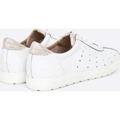 Caprice - Buty. Białe obuwie sportowe damskie Caprice, z materiału. W wyprzedaży za 199.90 zł.