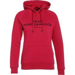 Peak Performance LOGO  Bluza z kapturem true pink. Bluzy sportowe damskie Peak Performance, z bawełny. Za 509.00 zł.