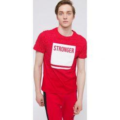 T-shirt męski TSM217 - czerwony. Czerwone t-shirty męskie 4f. W wyprzedaży za 39.99 zł.