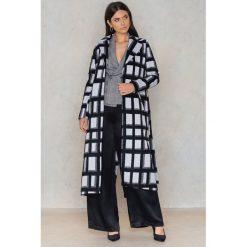 NA-KD Płaszcz w kratę - Black,Multicolor. Czarne płaszcze damskie NA-KD, w paski, z materiału. Za 364.95 zł.