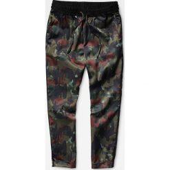 G-Star Raw - Spodnie. Czarne spodnie materiałowe damskie G-Star Raw, z dzianiny. Za 549.90 zł.
