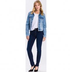 """Dżinsy """"Alan"""" - Skinny fit - w kolorze granatowym. Niebieskie jeansy damskie Cross Jeans. W wyprzedaży za 113.95 zł."""