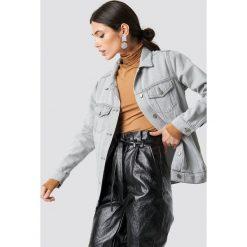 NA-KD Szara kurtka jeansowa - Grey. Szare kurtki damskie NA-KD Trend, z denimu. Za 283.95 zł.