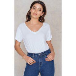 Rut&Circle T-shirt V Alina - White. Białe t-shirty damskie Rut&Circle, z elastanu. Za 64.95 zł.