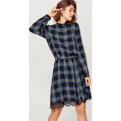 Sukienka z długimi rękawami - Czarny. Czarne sukienki damskie Mohito, z długim rękawem. Za 119.99 zł.