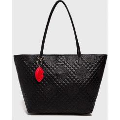 Desigual - Torebka. Czarne torebki do ręki damskie Desigual. Za 399.90 zł.