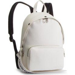 Plecak CALVIN KLEIN JEANS - Logo Banner Cp Backpack K40K400805 102. Białe plecaki damskie Calvin Klein Jeans, z jeansu. Za 649.00 zł.
