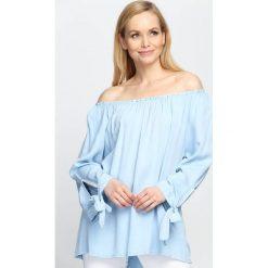Niebieska Bluzka As Clear As Day. Niebieskie bluzki damskie Born2be, z kokardą, z długim rękawem. Za 29.99 zł.