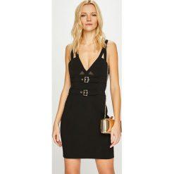 Guess Jeans - Sukienka Maura. Czarne sukienki damskie Guess Jeans, z aplikacjami, z elastanu, casualowe. Za 639.90 zł.