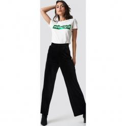 Rut&Circle Aksamitne spodnie - Black. Czarne spodnie materiałowe damskie Rut&Circle, z materiału. Za 161.95 zł.