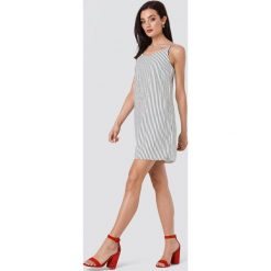 Rut&Circle Sukienka w paski Mira - White. Sukienki damskie Rut&Circle, w paski, z tkaniny. Za 146.95 zł.