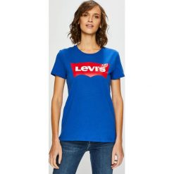 Levi's - Top. Brązowe topy damskie Levi's, z nadrukiem, z bawełny, z okrągłym kołnierzem, z krótkim rękawem. Za 99.90 zł.