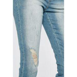 Jacqueline de Yong - Jeansy Clari. Niebieskie jeansy damskie Jacqueline de Yong. W wyprzedaży za 69.90 zł.